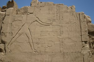 Thutmose_III_at_Karnak